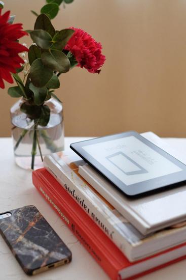 Электронная книга Amazon Kindle Voyage (Refurbished)